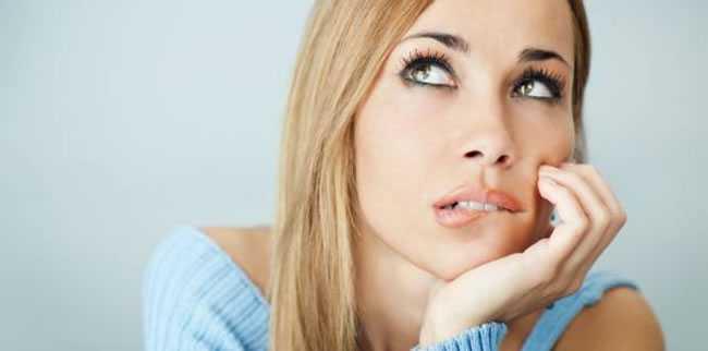 Cansada de sofrer com as estrias? Descubra os tratamentos que podem atenuar esse pesadelo